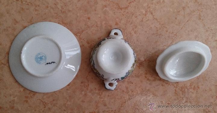 Antigüedades: Magnífica sopera en porcelana policromada con motivos florales de colección con bandeja , sellada - Foto 7 - 49643628