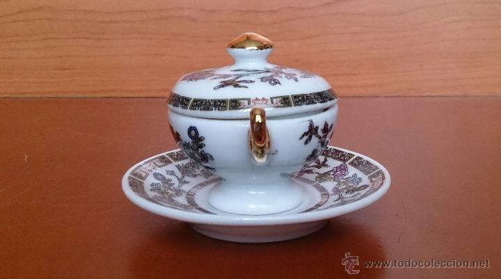 Antigüedades: Sopera en porcelana policromada estilo con estilo oriental y detalles en oro de ley 18 k, sellada . - Foto 2 - 49643687