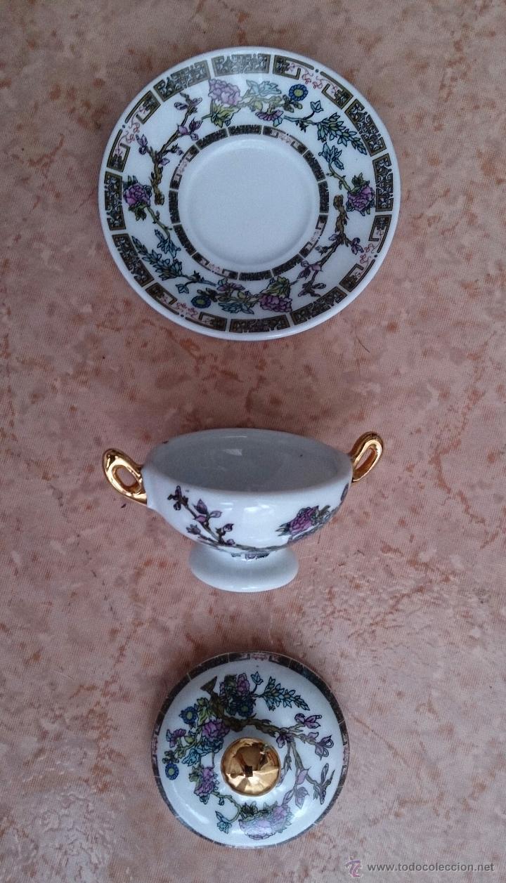Antigüedades: Sopera en porcelana policromada estilo con estilo oriental y detalles en oro de ley 18 k, sellada . - Foto 6 - 49643687