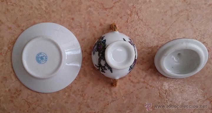 Antigüedades: Sopera en porcelana policromada estilo con estilo oriental y detalles en oro de ley 18 k, sellada . - Foto 7 - 49643687