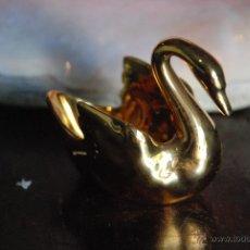 Antigüedades: PRECIOSO CISNE DE PORCELANA FRANCESA DE LIMOGES. Lote 49650082