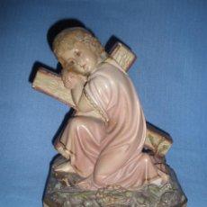 Antigüedades: ANTIGUO NIÑO JESUS CON LA CRUZ A CUESTAS AÑOS 40. Lote 49678057