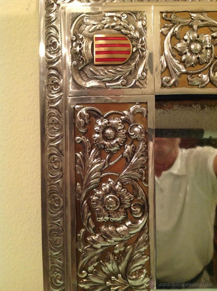 Antigüedades: Espejo Antiguo Artesanal Por Platero Con Cenefas Y Escudos Con Esmaltes Pieza Única - Foto 4 - 37801304
