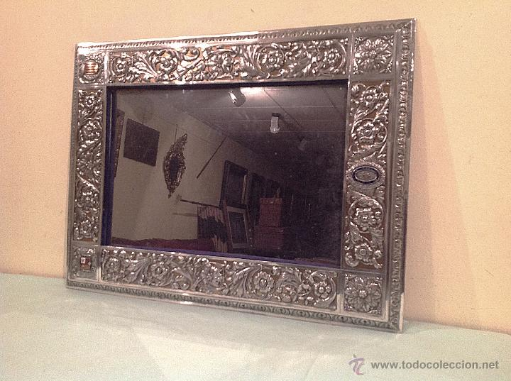 Antigüedades: Espejo Antiguo Artesanal Por Platero Con Cenefas Y Escudos Con Esmaltes Pieza Única - Foto 6 - 37801304