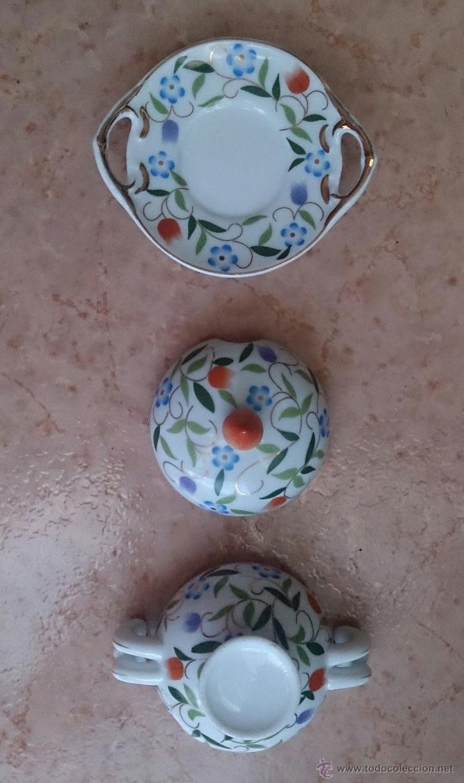 Antigüedades: Sopera en porcelana con motivos florales y detalles en oro de ley 18 k, sellada, pieza de colección. - Foto 6 - 49707230