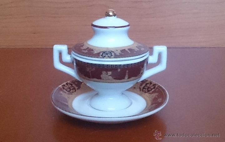 Antigüedades: Sopera en porcelana con motivos helénicos y detalles en oro de ley 18 k, sellada, pieza de colección - Foto 8 - 49707311