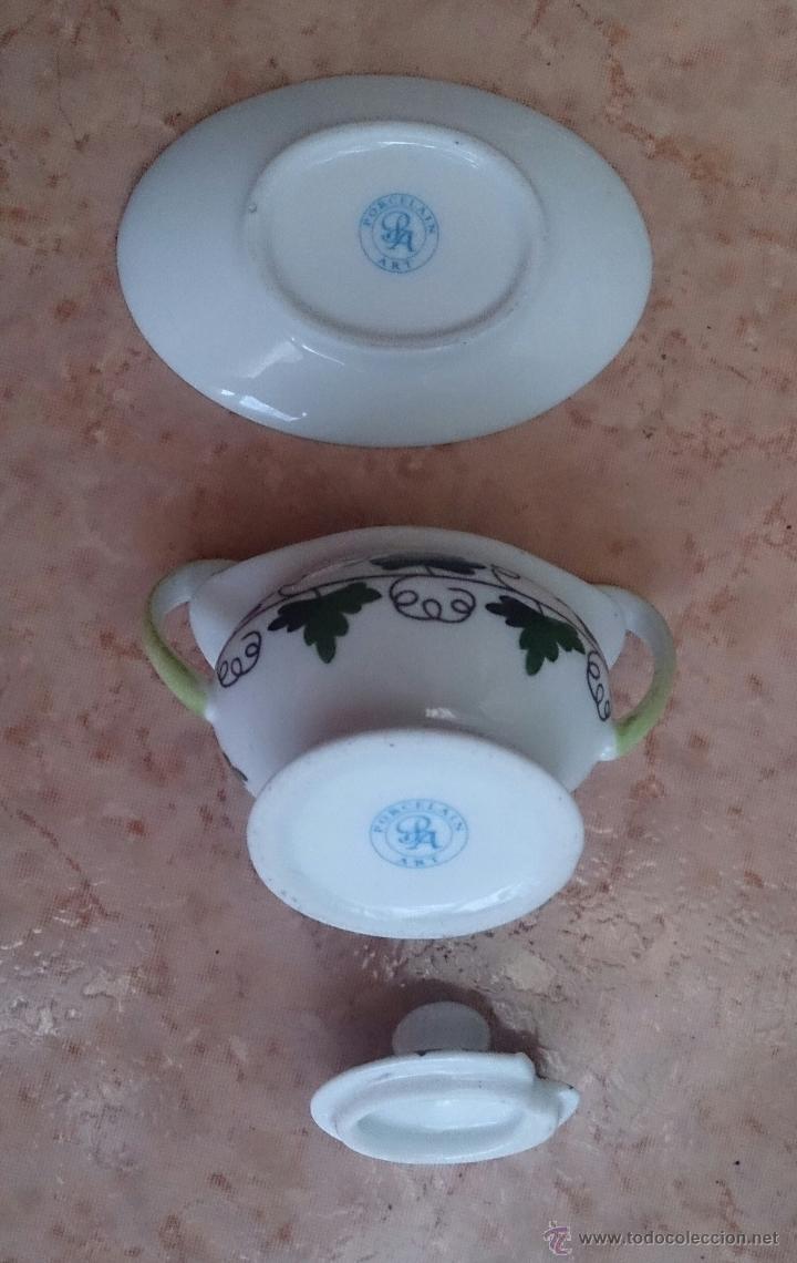 Antigüedades: Sopera en porcelana policromada con motivos vinícolas en tonos verdes, sellada, pieza de colección. - Foto 7 - 49707534