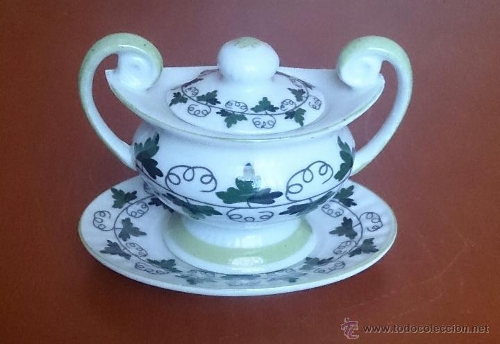 Antigüedades: Sopera en porcelana policromada con motivos vinícolas en tonos verdes, sellada, pieza de colección. - Foto 8 - 49707534