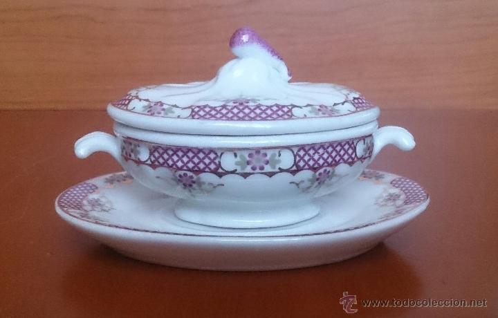 Antigüedades: Sopera en porcelana con motivos florales y detalles en oro de ley 18 k, sellada, pieza de colección. - Foto 3 - 49707589