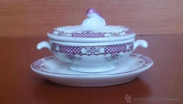 Antigüedades: Sopera en porcelana con motivos florales y detalles en oro de ley 18 k, sellada, pieza de colección. - Foto 5 - 49707589