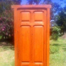 Antigüedades: ANTIGUA PUERTA RESTAURADA PINO VIEJO. FRENTE ANARANJADO.. Lote 49714893