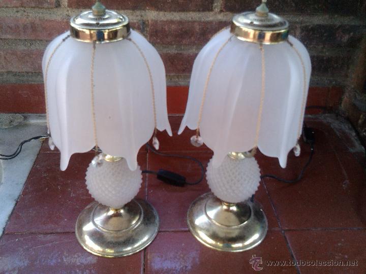 dos antiguas lamparas sobremesa mesita de noche vidrio cristal liofilizado metal antigedades iluminacin