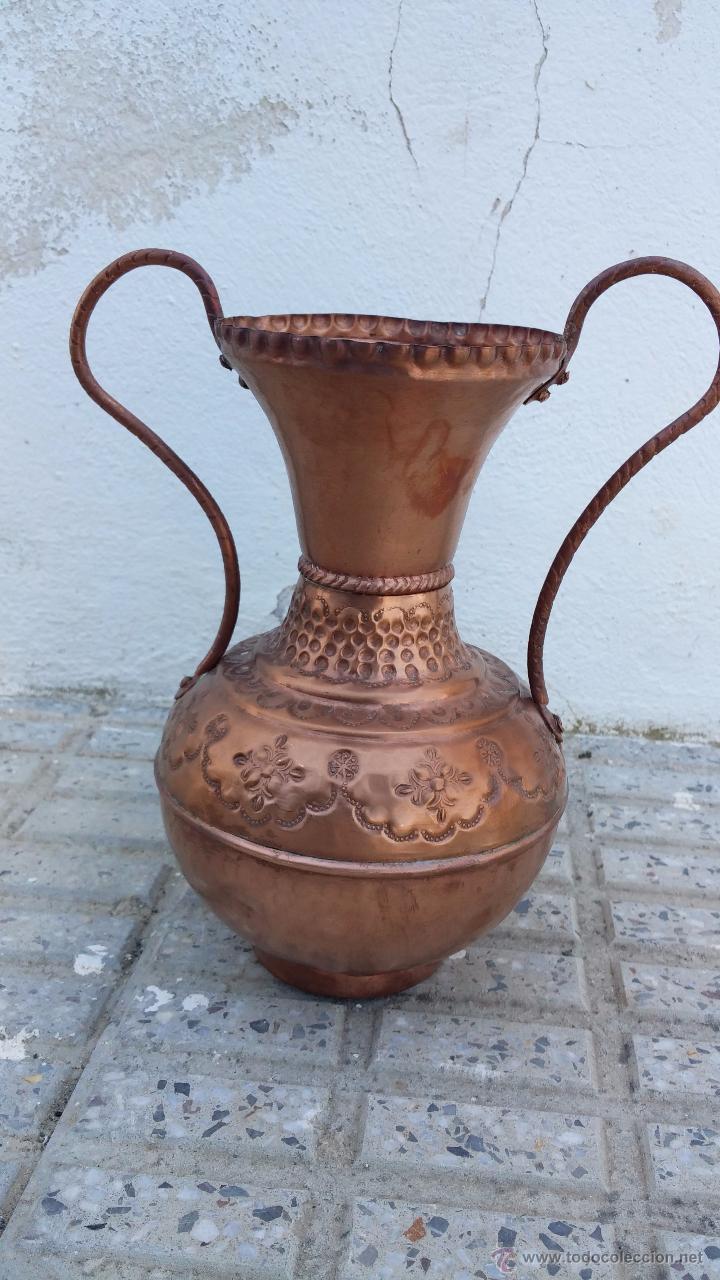 ANTIGUO JARRON DE COBRE. (Antigüedades - Hogar y Decoración - Jarrones Antiguos)