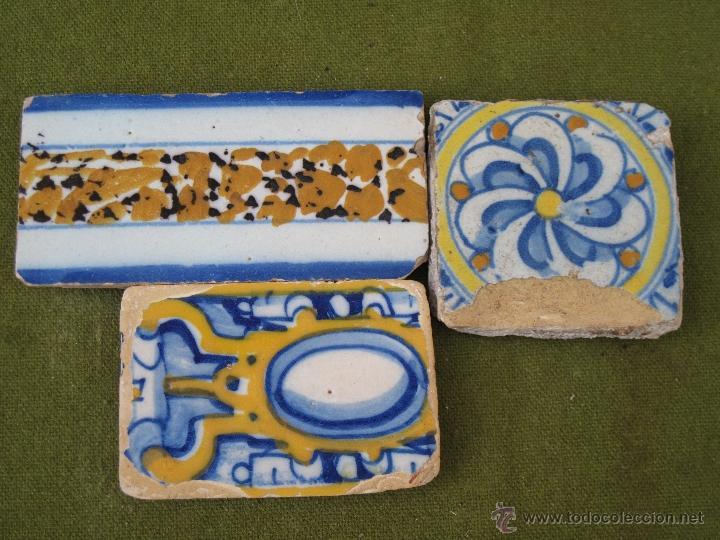 Lote de 3 azulejos antiguos de talavera de la r comprar - Azulejos reina ...