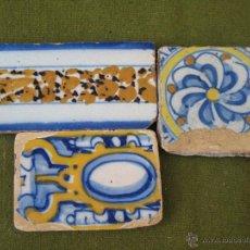 Antigüedades: LOTE DE 3 AZULEJOS ANTIGUOS DE TALAVERA DE LA REINA./ TOLEDO.. Lote 49742876