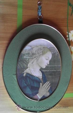 IMAGEN DE MARÍA ORANDO, SOBRE MADERA DE AGLOMERADO FORRADO EN TERCIOPELO (Antigüedades - Religiosas - Varios)
