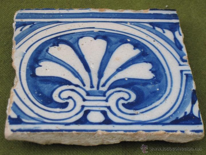 AZULEJO ANTIGUO DE TALAVERA - TECNICA PINTADA PLANA - RENACIMIENTO - SIGLO XVI. (Antigüedades - Porcelanas y Cerámicas - Talavera)