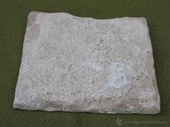 Antigüedades: AZULEJO ANTIGUO DE TALAVERA - TECNICA PINTADA PLANA - RENACIMIENTO - SIGLO XVI. - Foto 2 - 49755725
