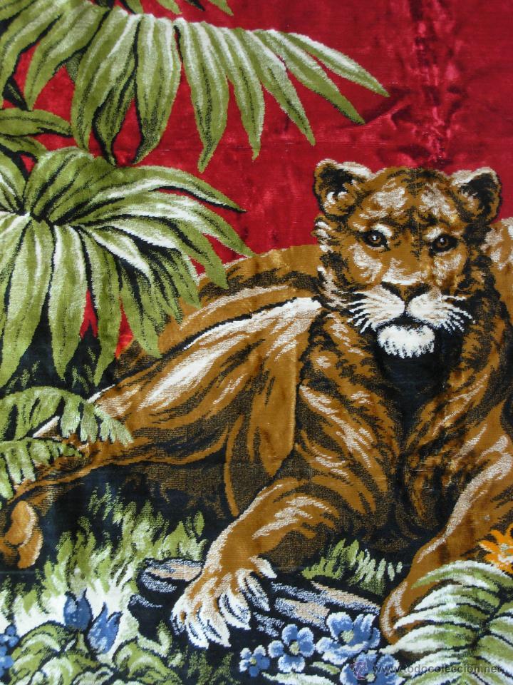 Antigüedades: Antiguo tapiz aterciopelado de leones. 1,73 cm X 1,17 CM - Foto 2 - 49758708