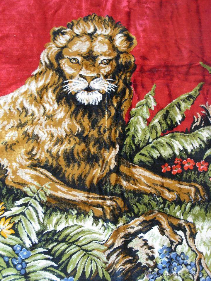 Antigüedades: Antiguo tapiz aterciopelado de leones. 1,73 cm X 1,17 CM - Foto 3 - 49758708