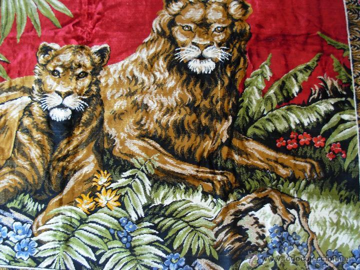 Antigüedades: Antiguo tapiz aterciopelado de leones. 1,73 cm X 1,17 CM - Foto 7 - 49758708