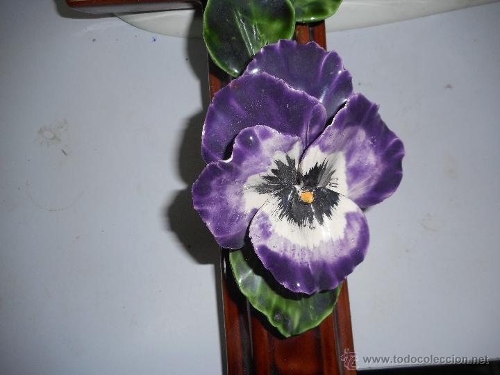 Antigüedades: preciosa y gran cruz de porcelana o ceramica perfecto estado - Foto 3 - 49763199