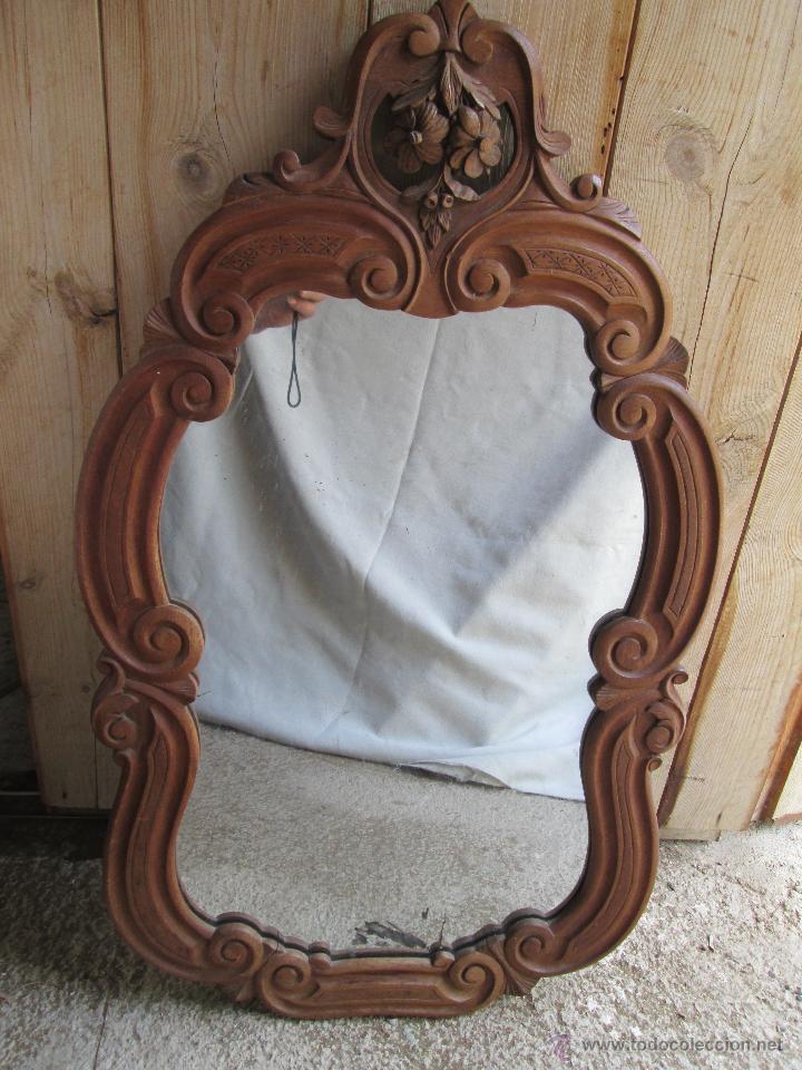 Espejo con marco de madera tallada comprar espejos for Espejos redondos con marco de madera