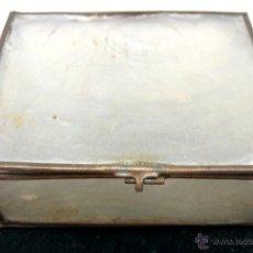 Antigüedades: ANTIGUA PEQUEÑA CAJA NACAR. Lote 217071165