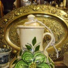 Antigüedades: ANTIGUA JARRA CON GRAN FLOR CENTRAL SIGLO XIX. Lote 49775793