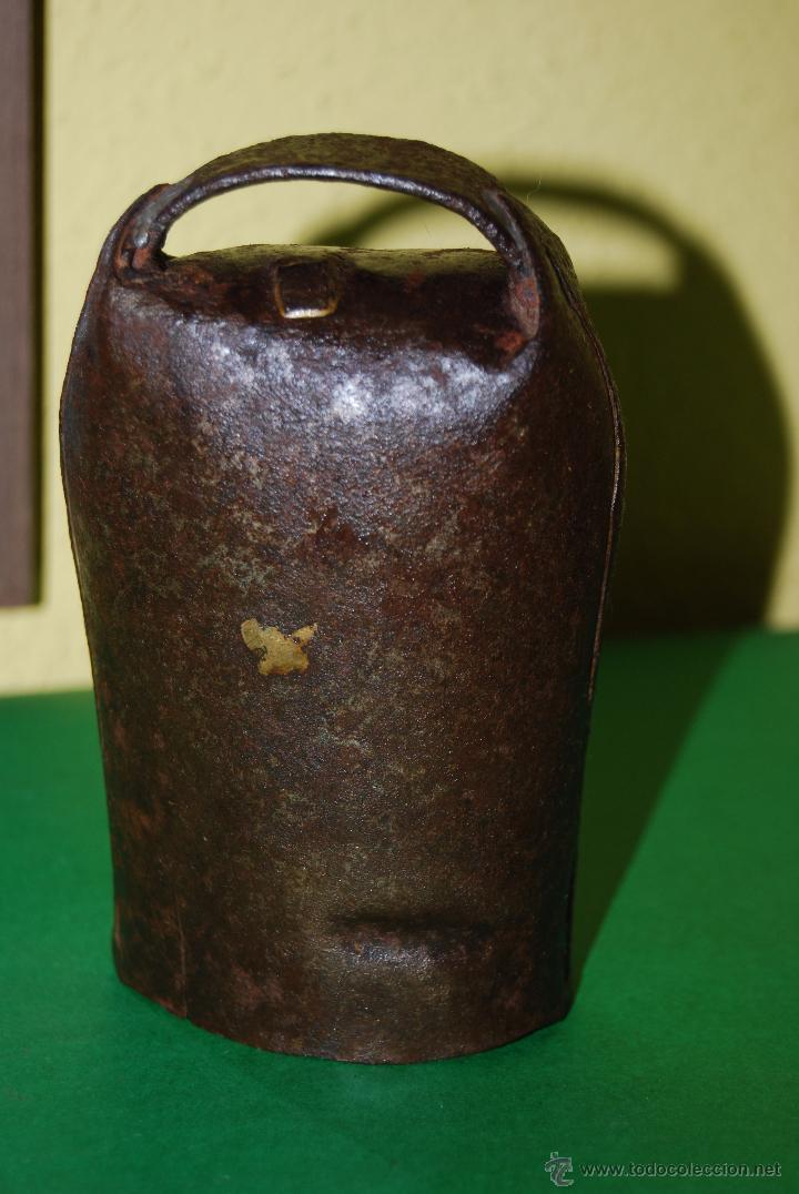 CENCERRO DE METAL - CAMPANO - GANADO - GANADERÍA - CANTABRIA (Antigüedades - Técnicas - Rústicas - Ganadería)