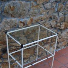 Antigüedades: MESA DE ENFERMERA - MÉDICO - CARRO DE CURAS - AÑOS 50-60 - METAL Y CRISTAL. Lote 49777187