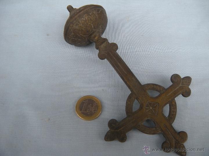 Antigüedades: ANTIGUA CRUZ PROCESIONAL EN BRONCE. - Foto 2 - 49793588