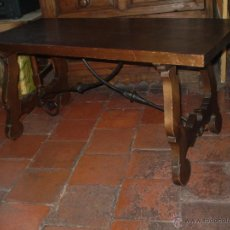 Antigüedades: MESA CON PATAS DE LIRA DE PINO. Lote 49836975