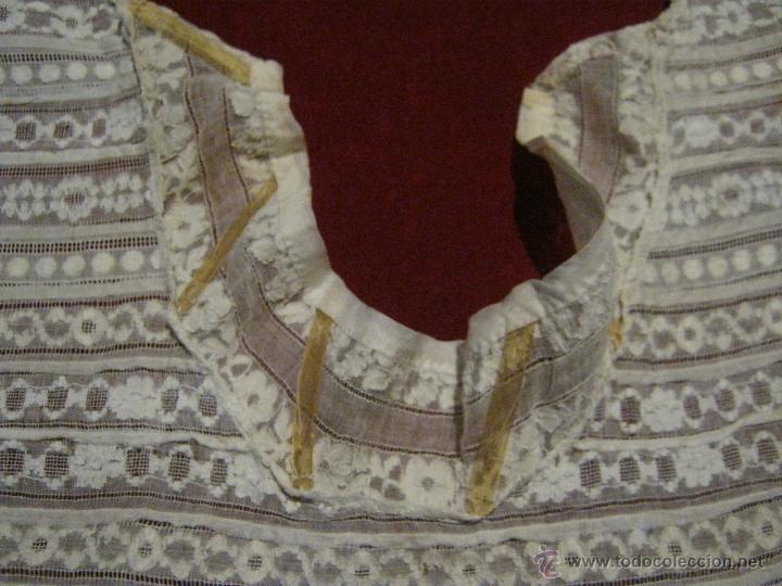 Antigüedades: ANTIGUA PECHERA CANESÚ DE ORGANZA BORDADA S. XIX - Foto 3 - 49840483