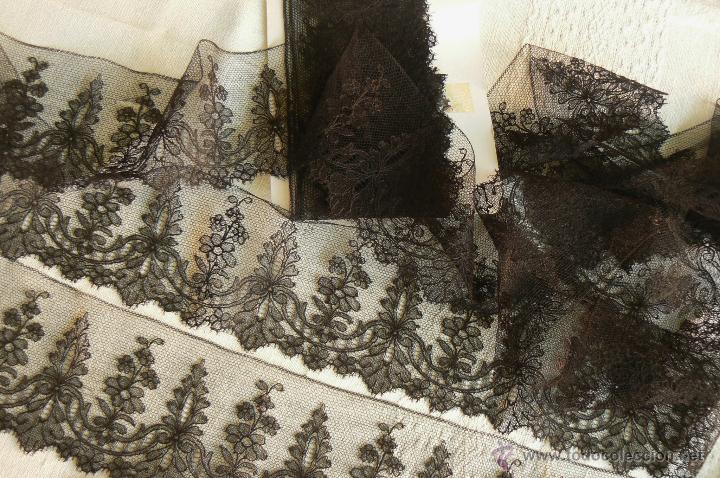 ANTIGUO ENCAJE DE CHANTILLY 5 METROS (Antigüedades - Moda - Encajes)