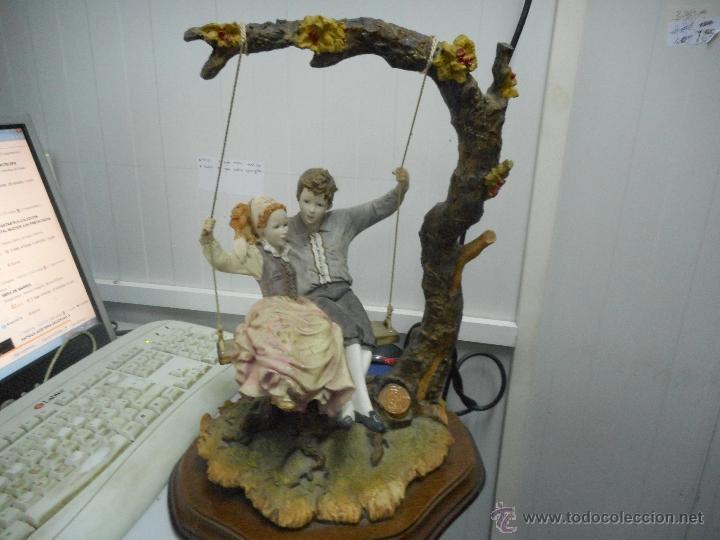 Antigüedades: preciosa figura gran tamaño pareja en columpio - Foto 4 - 49843315