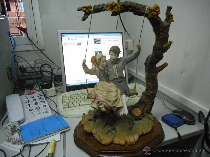 Antigüedades: preciosa figura gran tamaño pareja en columpio - Foto 8 - 49843315