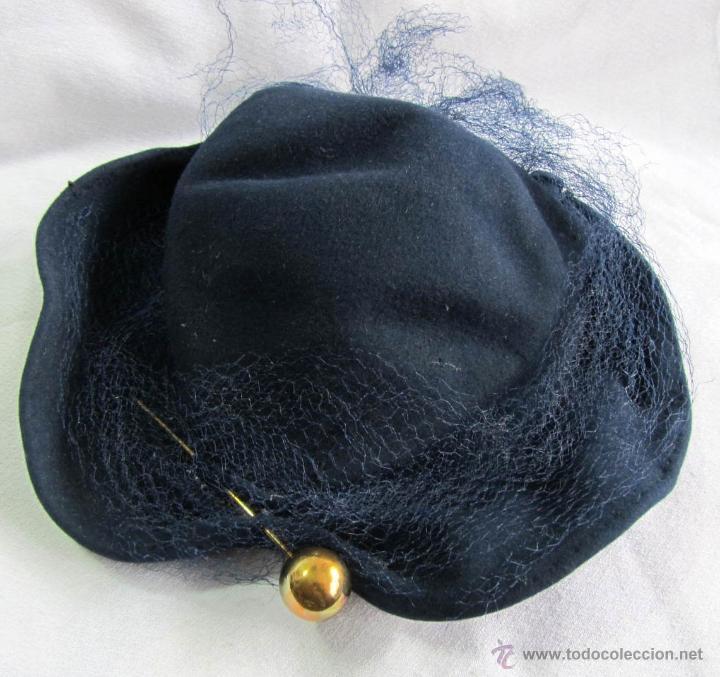 ANTIGUO SOMBRERO DE SEÑORA CON ALFILER DORADO (Antigüedades - Moda - Sombreros Antiguos)