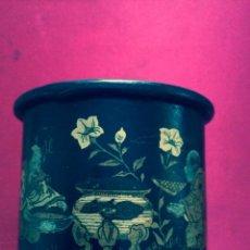 Antigüedades: ANTIGUA CAJA CHINA LACADA Y REALIZADA EN PAPEL MACHÉ (S. XIX). Lote 49854516