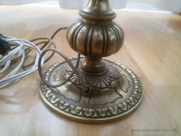 Antigüedades: CANDELABRO EN BRONCE MACIZO-LABRADO-EXCELENTE FUNDICIÓN-DOS PISOS Y 4 LUCES-MUY ANTIGUO-TULIPAS PIEL - Foto 5 - 49859295