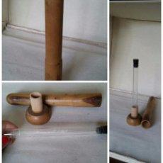 Antigüedades: ANTIGUO TUBO CRISTAL. ALBUMINOMETRO ESBACH EN CAJA MADERA.. Lote 49859646