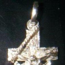 Antigüedades: CRUZ CRISTO MARINERO EN PLATA DE LEY - 20X34MM. Lote 49873930