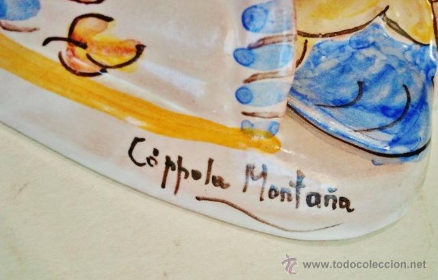 Antigüedades: Benditera de cerámica. Virgen con niño. Firmado: Cóppola Montaña, Manises. - Foto 3 - 49881970