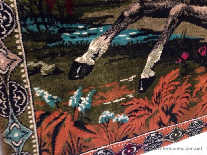 Antigüedades: Gran tapiz antiguo con caballos motivo arabe - Foto 3 - 49892092