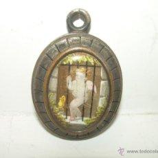 Antigüedades: ANTIGUO Y PRECIOSO RELICARIO O GUARDAPELOS...CON ANGELITO ESMALTADO Y CRISTAL BISELADO.. Lote 49907487