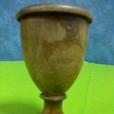Antigüedades: COPA MADERA CON TAPA. Lote 49928038