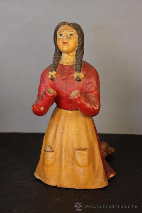 Antigüedades: Niña de terracota (probablemente orando a la Virgen de Fátima) - Foto 2 - 49950483