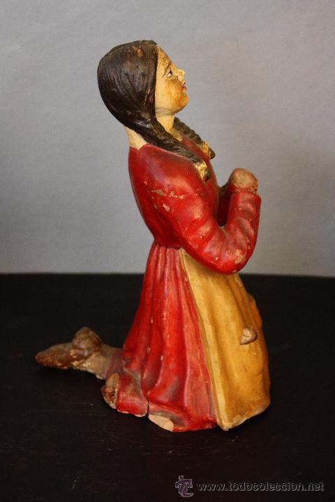 Antigüedades: Niña de terracota (probablemente orando a la Virgen de Fátima) - Foto 3 - 49950483