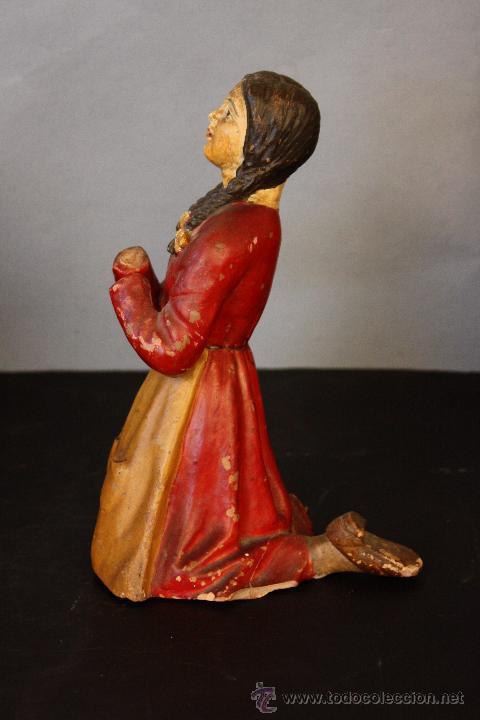 Antigüedades: Niña de terracota (probablemente orando a la Virgen de Fátima) - Foto 5 - 49950483