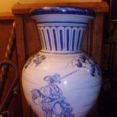 Antigüedades: PRECIOSO JARRON PINTADO A MANO DE TALAVERA.. Lote 49986263